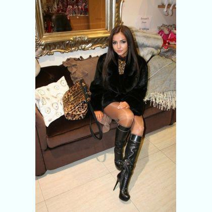Fulfill your erotic dreams top class escort Zii Lausanne