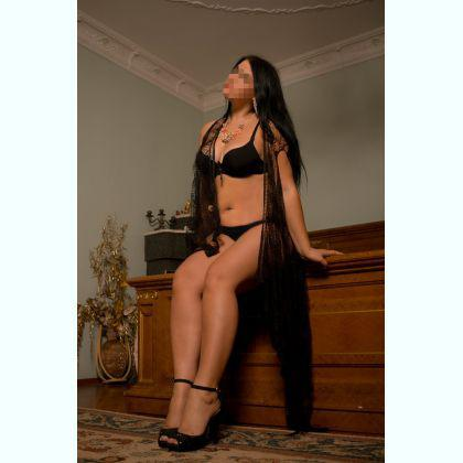 Escort Appoline,Wroclaw look no more book me