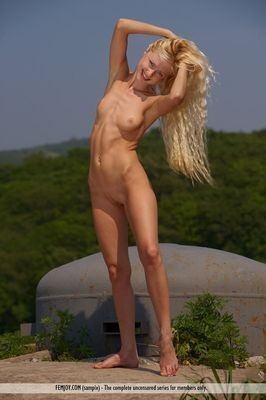 Young exotic Turkish escort Aleide Agen